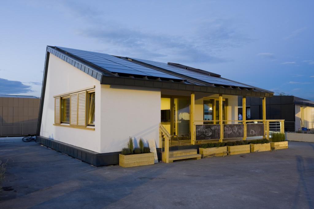 Prispa - casa solara de inspiratie traditionala