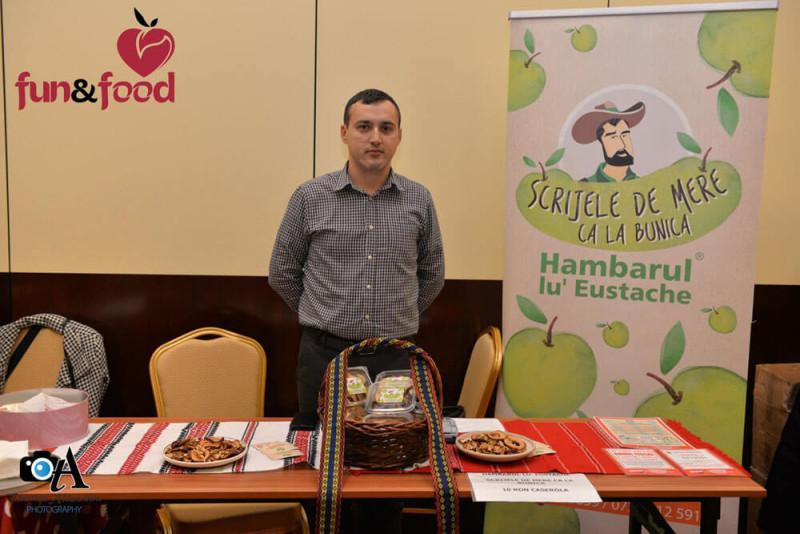 Bogdan Ghineţ, Scrijele de mere ca la Bunica