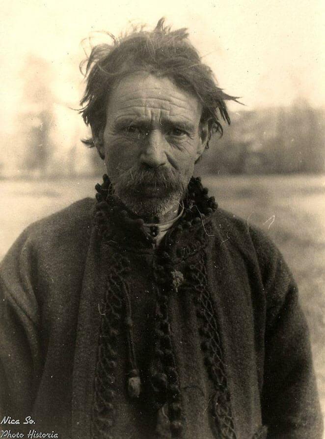 Bucovinean sfârşitul anilor 1930 - începutul anilor 1940 Sursa foto Photo Historia